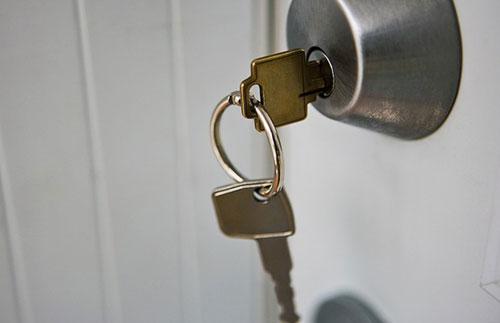 Nguyên nhân và cách sửa khóa tay nắm tròn cửa bị hỏng