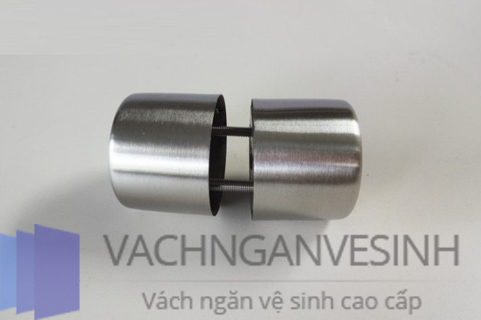 mau-tay-nam-cua-nha-ve-sinh-dep-cho-khong-gian-hien-dai-04